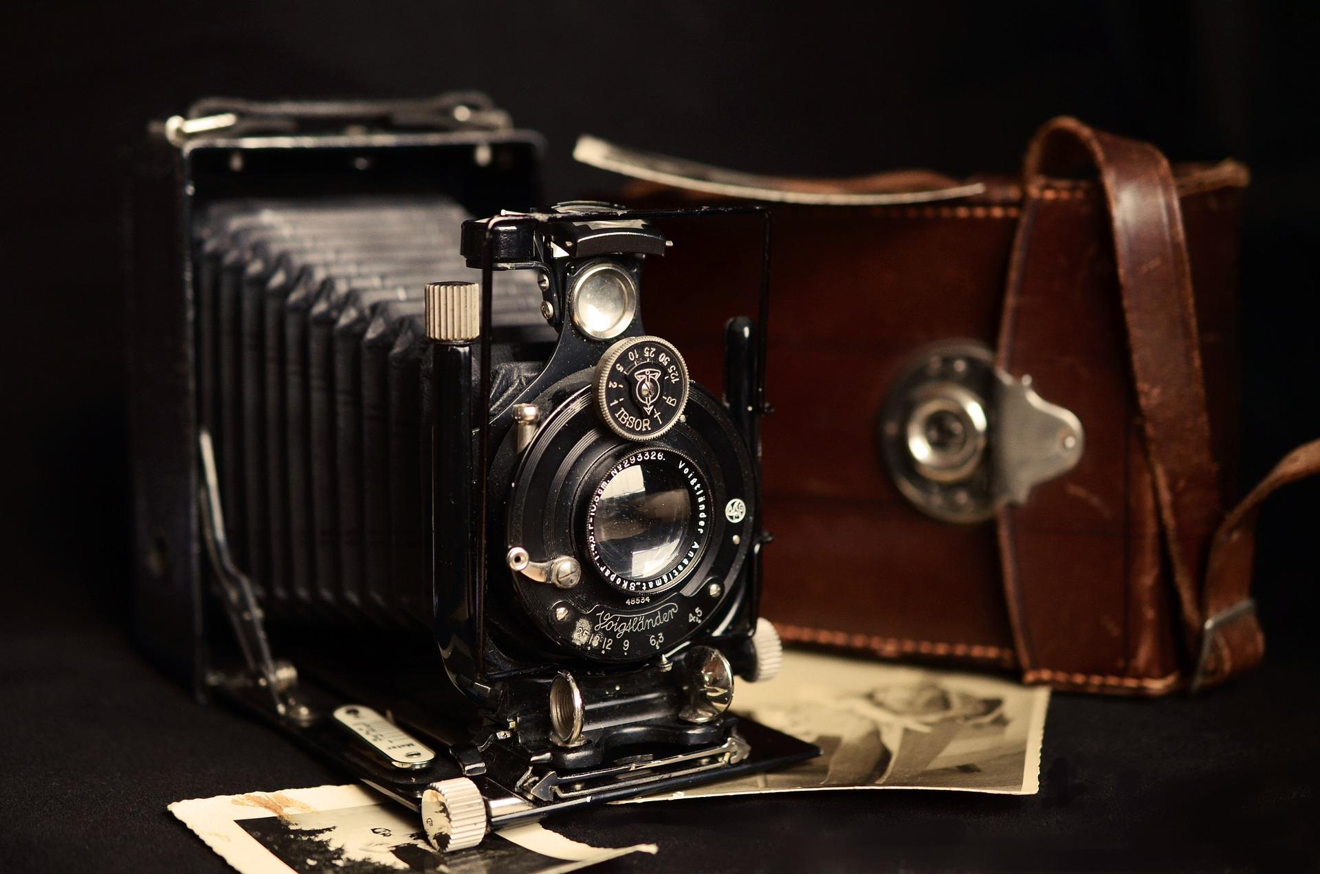 camera-711025_1920